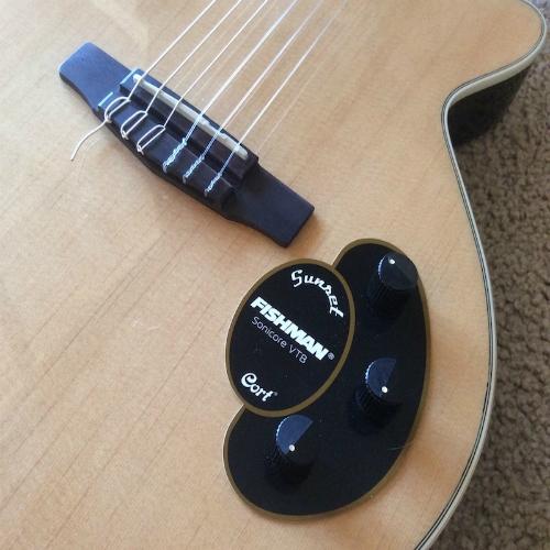 CORT CLASSIC BRIDGE - konjić za gitaru