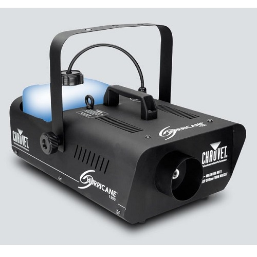 SAR HURRICANE 1300 chauvet kapacitet 3,3l snaga 1300watt dim mašina